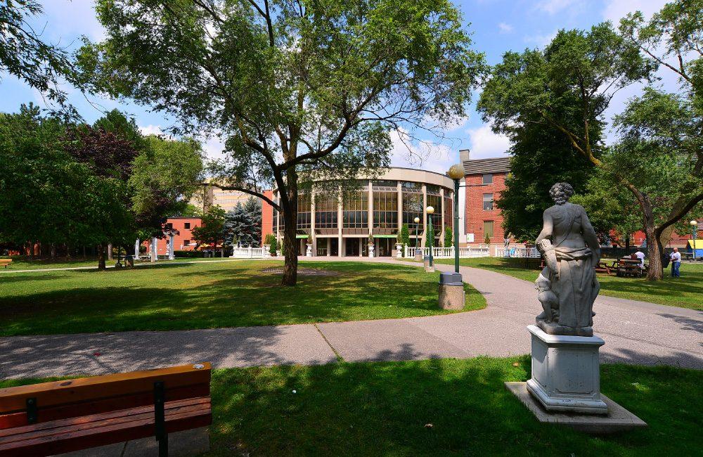 Columbus Centre outdoor courtyard showing art gallery rotunda.